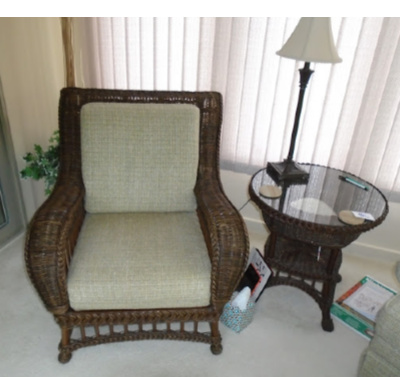 WICKER ARM CHAIR STAND