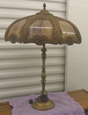 STAINED GLASS TABLE LAMP OLD