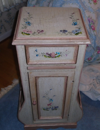 PAINTED ACCENT CHEST
